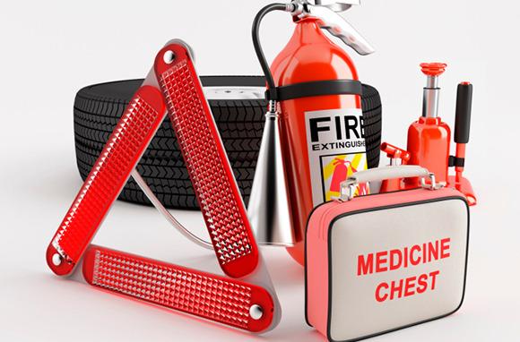 Keep an Emergency Car Kit