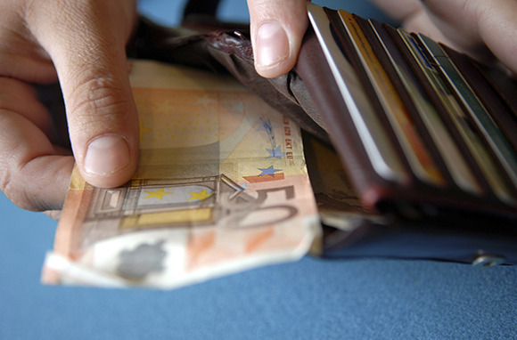 How Important It Is to Keep an Emergency Stash of Money
