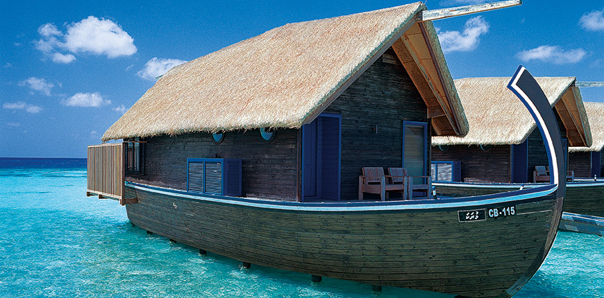 overwater bungalow cocoa island by como