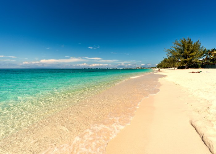 Cayman Islands: Save $450 Off Your Vacation