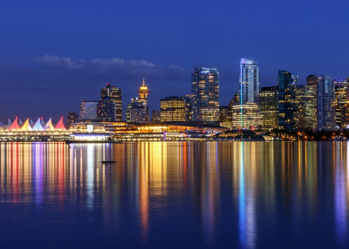 what to do in vancouver harbor cruise