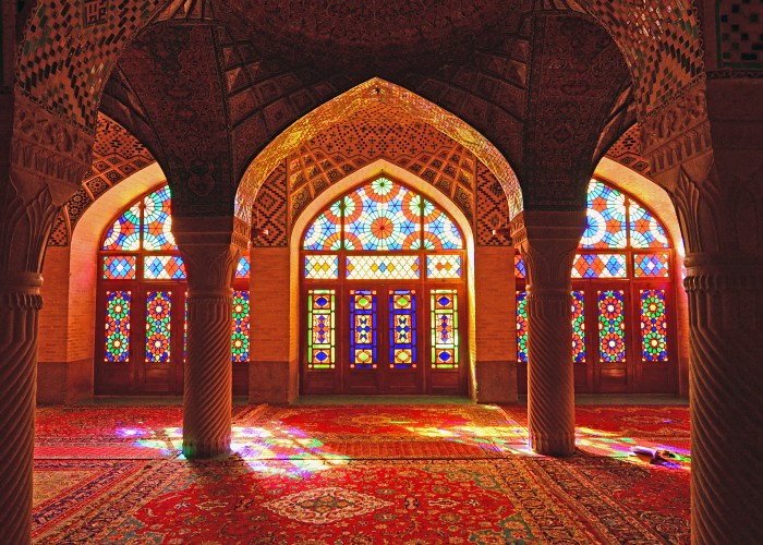 7 Beautiful and Unique Mosques Around the World