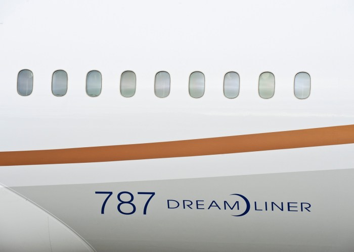 United's New Singapore Flight – 18 Hours on a Plane