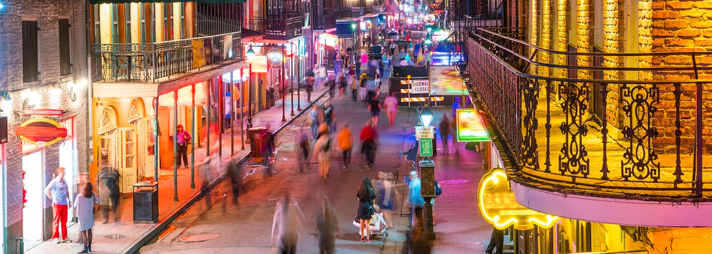 new orleans street at night
