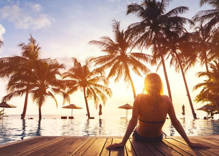 woman-beach-hotel-cover