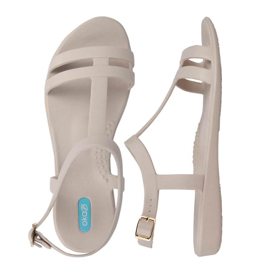 10 Best Walking Sandals for Travel With