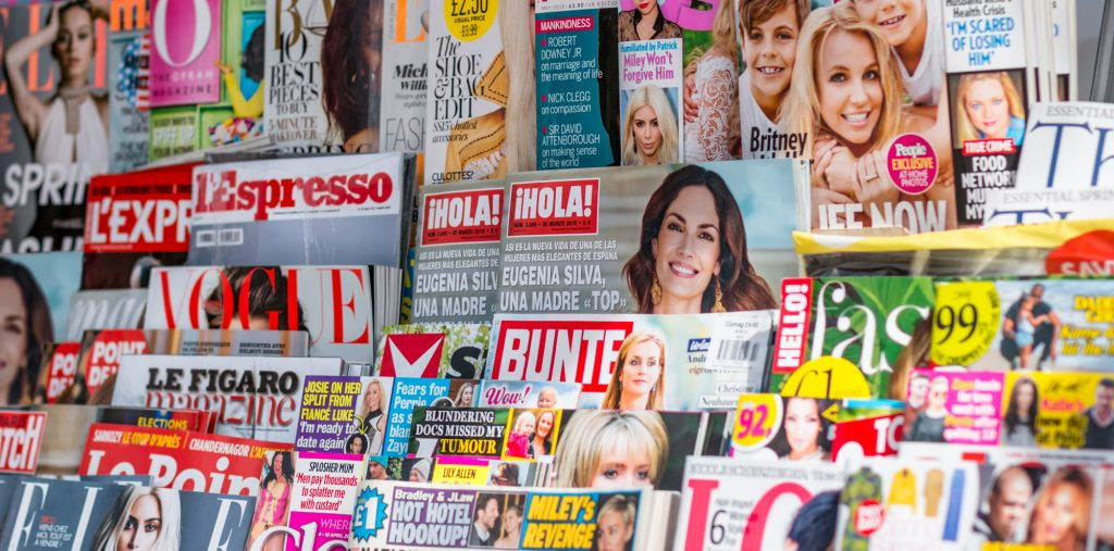 magazines airport newsstand