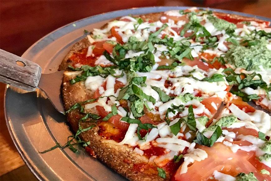 pizza at bombay pizza company houston.