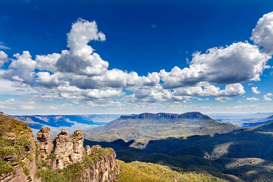 three sisters blue mountains national park.
