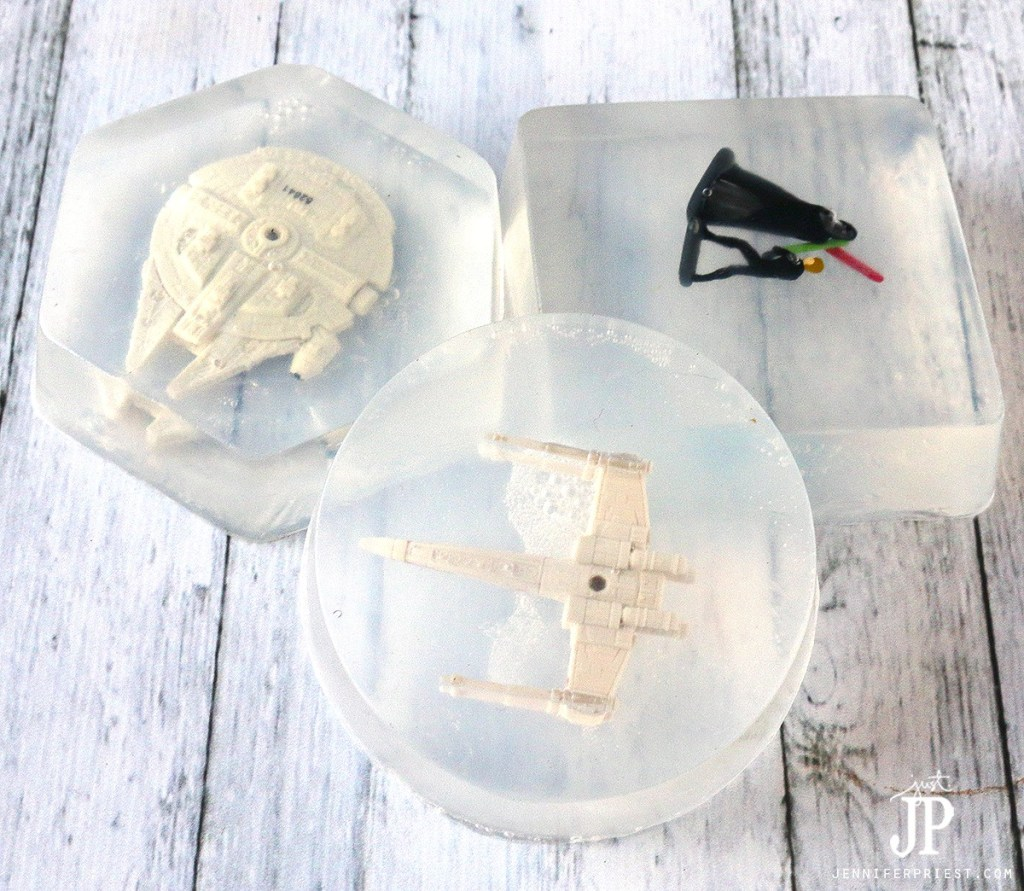 DIY Star Wars soaps - make fun soaps with a PRIZE INSIDE with your kids. These make great gifts and your kids are gonna LOVE washing their hands *wink wink*