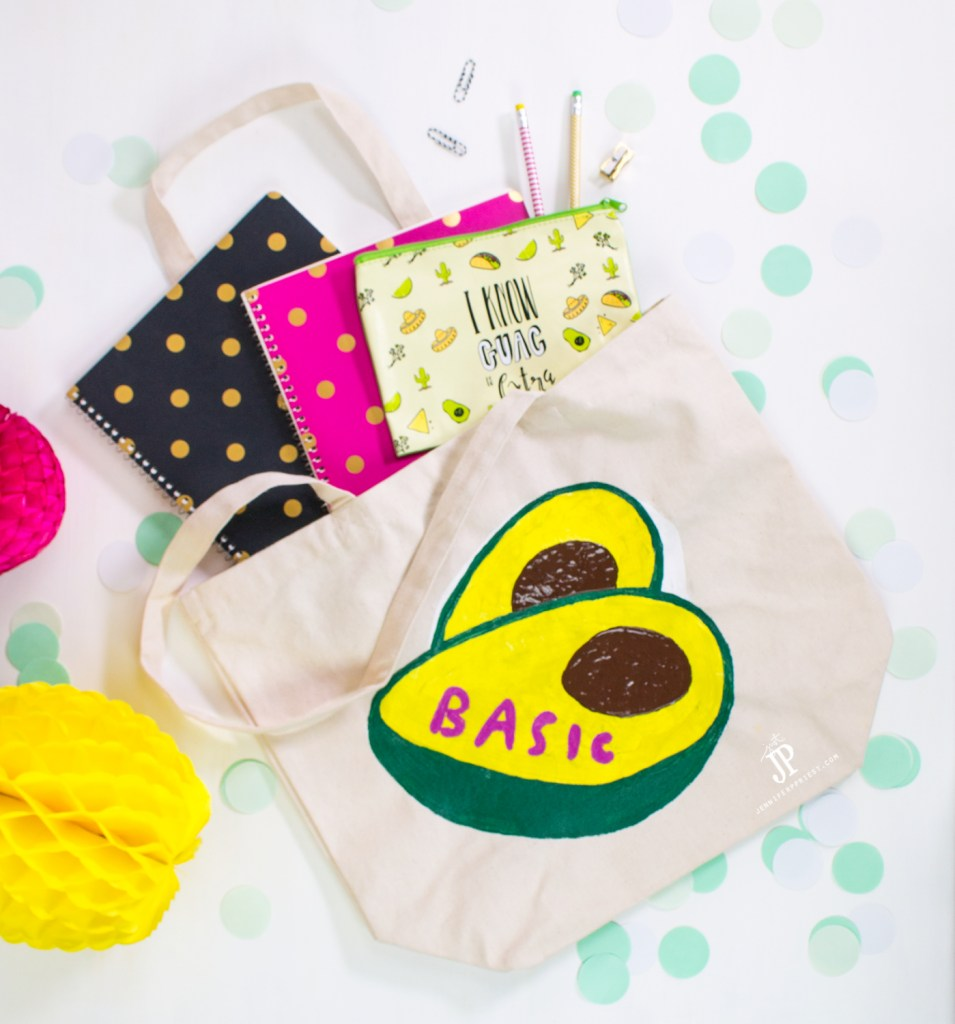 Make this DIY Snapchat Sticker tote with a faux screenprinting technique! Watch the video tutorial. You can do this technique with ANY design.