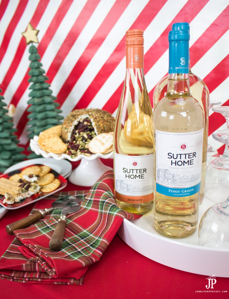 #SutterHomeForTheHolidays [AD] MSG 4 21+ Make a DIY piñata cheese ball with goat cheese to WOW guests this holiday season. Pair with Sutter Home Pinot Grigio or other white wines for a delicious, Latin flavor experience!