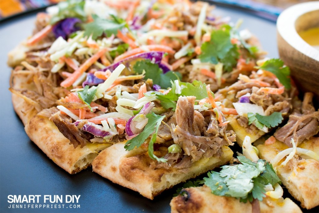 Homemade PULLED PORK Flatbread recipe - combine pulled pork with Stonefire Authentic Flatbreads Naan for a delish crunchy snackable GAME DAY treat!