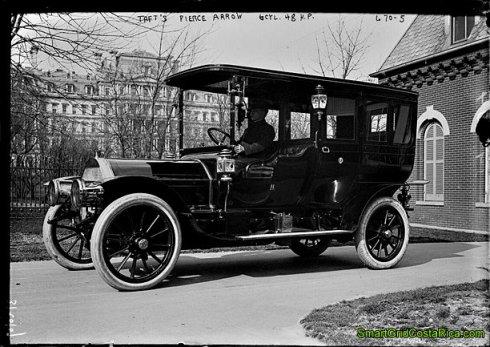 Primer auto eléctrico Tesla Pierce Arrow. alcanzó los 90 km7h sin esfuerzo (1918)