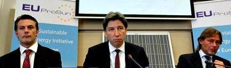 Preocupación en China por sanción de Europa sobre paneles solares