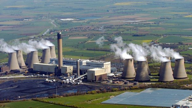 Britain goes coal free as renewables edge out fossil fuels