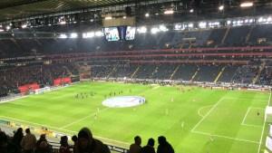 Vor einem Bundesliga-Spiel in der Frankfurter Commerzbank-Arena (Foto: SmartPhoneFan.de)