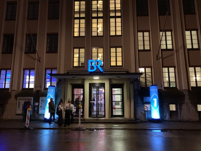 Haupteingang zum BR-Funkhaus in München (Foto: SmartPhoneFan.de)