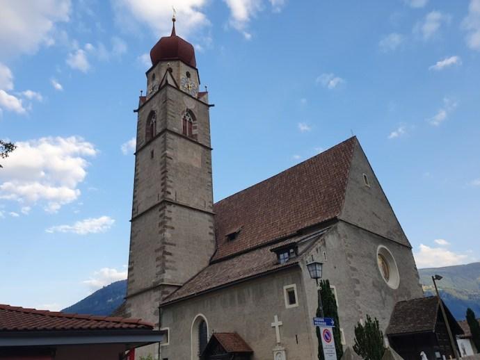 Kirche im Ortskern von Partschins (Foto: SmartPhoneFan.de)