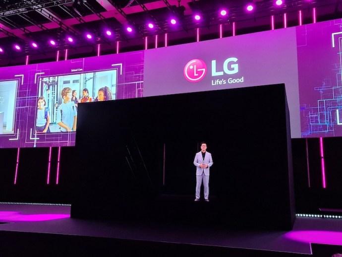 LG-CTO als Hologramm auf der Bühne (Foto: SmartPhoneFan.de)
