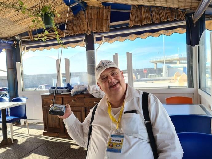 Frank von Hola FM bei Empfangsversuchen in Agaete (Foto: SmartPhoneFan.de)