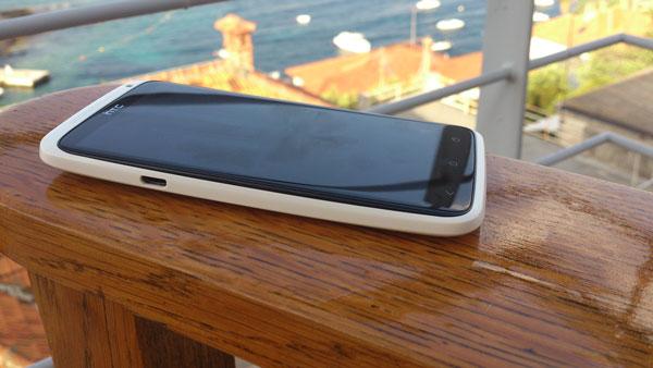 HTC One X recenzija