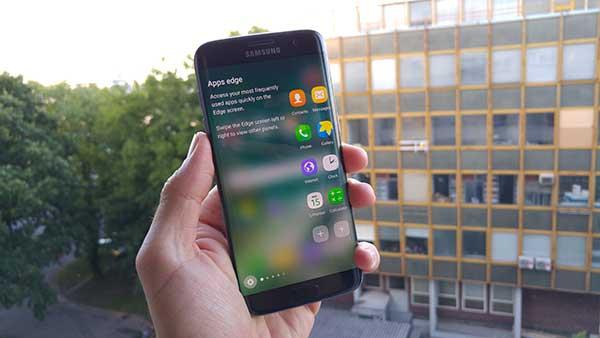 LG G5 vs. HTC 10 vs. Galaxy S7 edge - troboj zaslona (4)