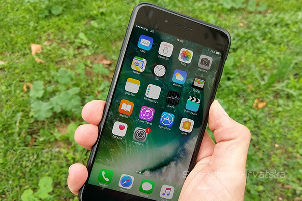 iphone-7-plus-recenzija-zaslon