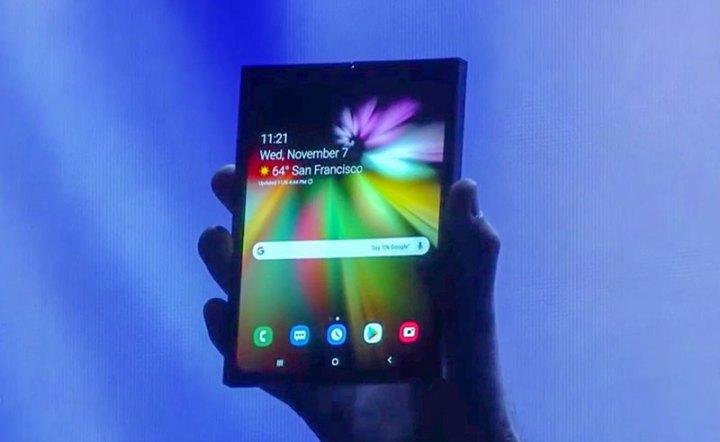 Samsung demonstirao svoj savitljivi smartphone i novo One UI sučelje