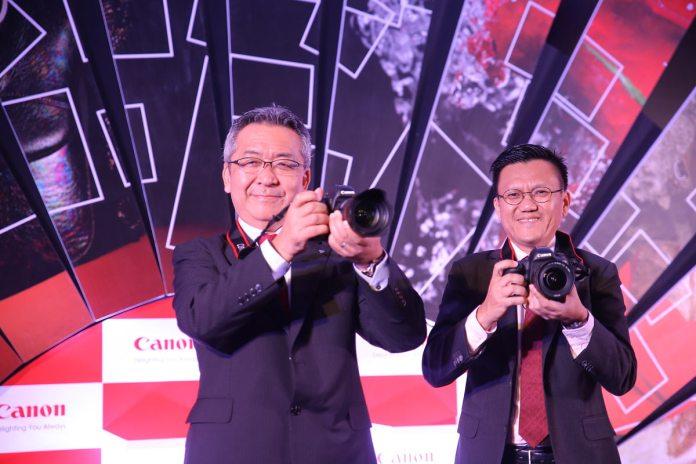 Mr-Kazutada-Kobayashi,-President-&-CEO,-Canon-India-and-Mr-Andrew-Koh,-Vice-President,-Consumer--
