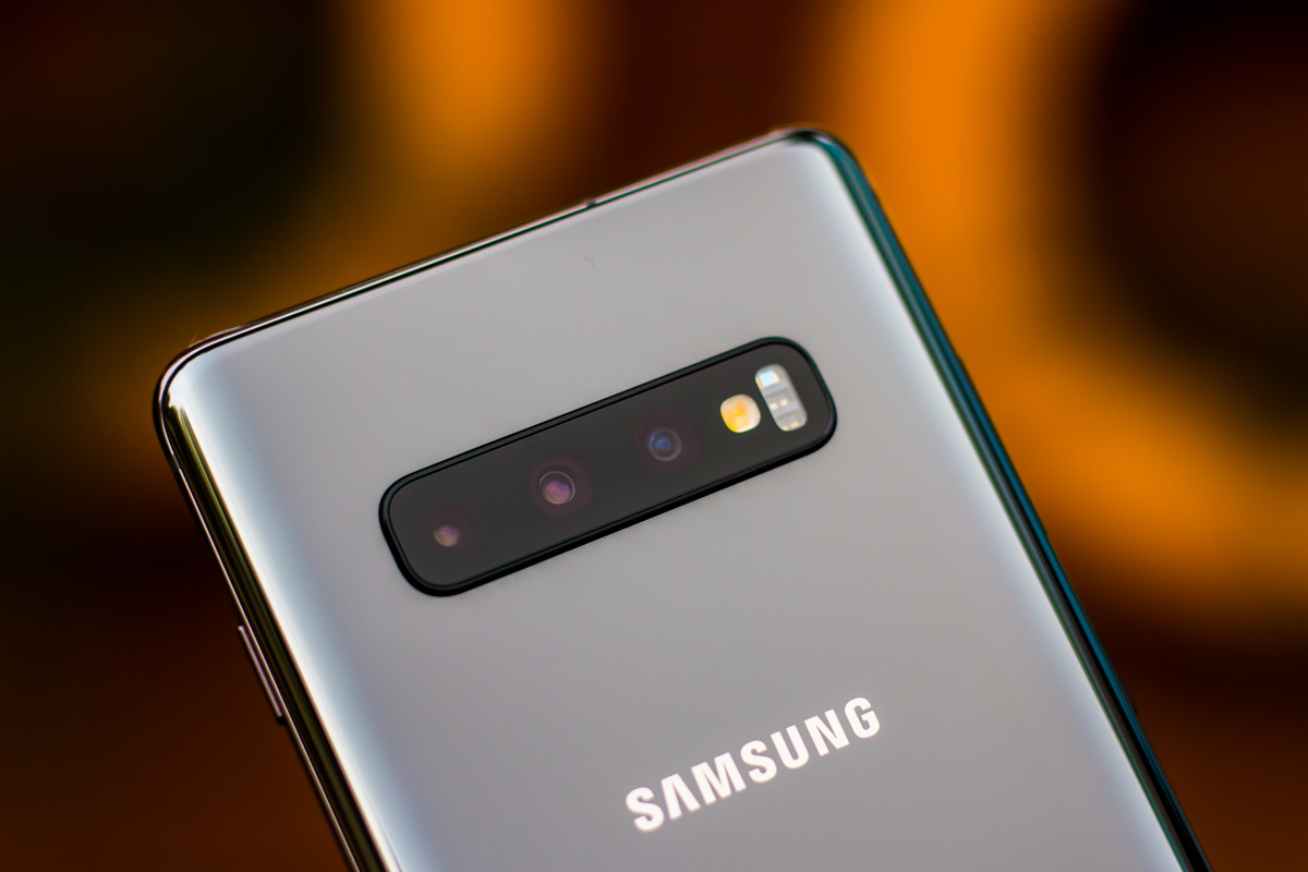 10 Best Triple Camera Phones That You Can Buy in 2019 - Smartprix Bytes