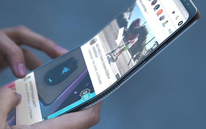 Samsung could return the Galaxy Fold in a new vertical clamshell-like folding form