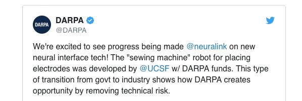 Además, la Agencia de Proyectos de Investigación Avanzados de Defensa, DARPA, publicó en twitter que habían financiado el desarrollo inicial del robot que Neuralink presentó como idea propia.