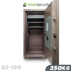 This is a picture of the Eagle safe ES 130 250KG Fireproof Home and Business Safe Box open