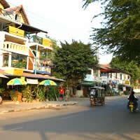 Laos reviews, Fa Ngum Road