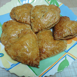 VALENTINES APPLE PIES 12