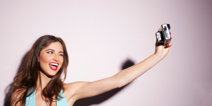 https://i2.wp.com/www.smartworld.it/wp-content/uploads/2014/11/selfie.jpg?resize=696%2C348
