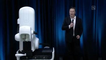 Questa scimmia gioca a Pong col potere del pensiero, grazie a Neuralink di Elon Musk (video)