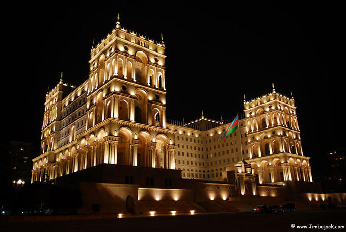 Dom Soviet old parliament in Baku 30 Smashing Examples of  Architectural Photography