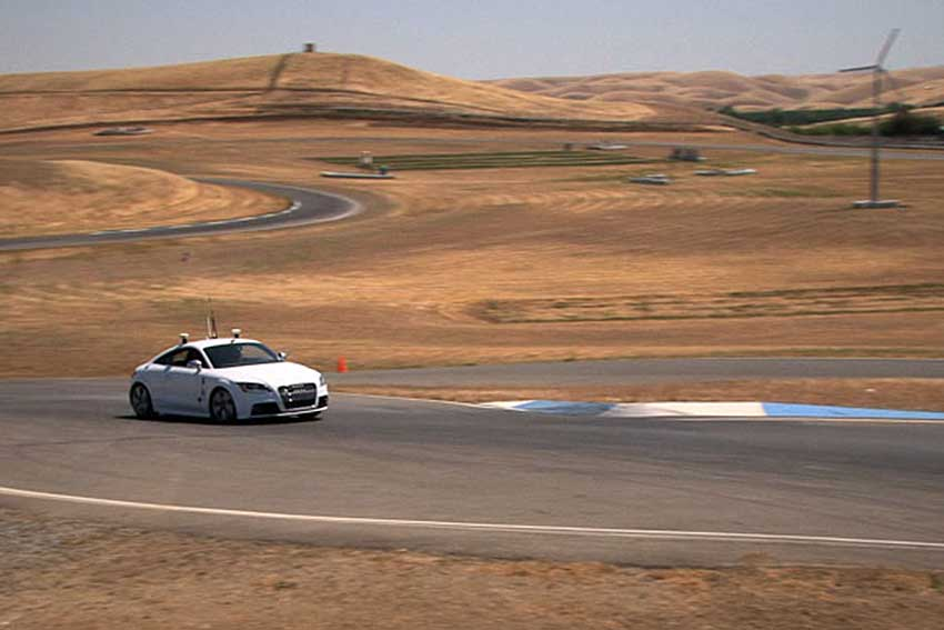 Driverless Audi TTS on the racetrack