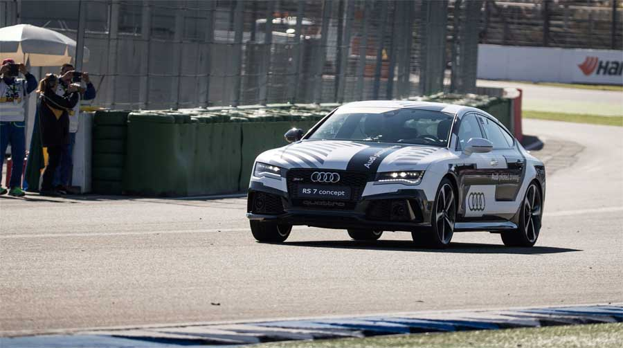 Driverless Audi RS 7 on the track
