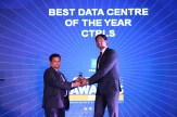 Mr. SANJAY-MOHAPATRA-EDITOR-SME-CHANNELS-GIVING-AWAY-THE-AWARD-OF-BEST-DATA-CENTRE-OF-THE-YEAR-TO-CTRLS