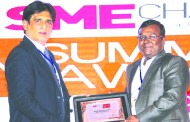 SANIB MOHAPATRA, PUBLISHER, SME CHANNELS GIVING AWAY SUPER50 AWARD TO WEBX TECHNOLOGIES PRIVATE LIMITED