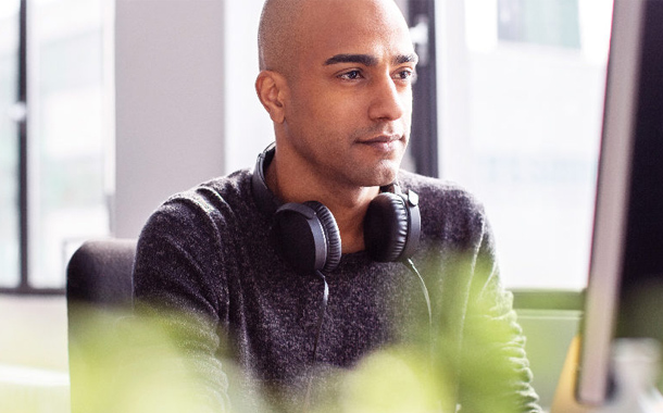 Infographic Helpdesks need help : How to support a fully remote workforce
