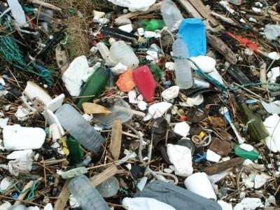 Déchets plastiques sur la plage (SMEL)