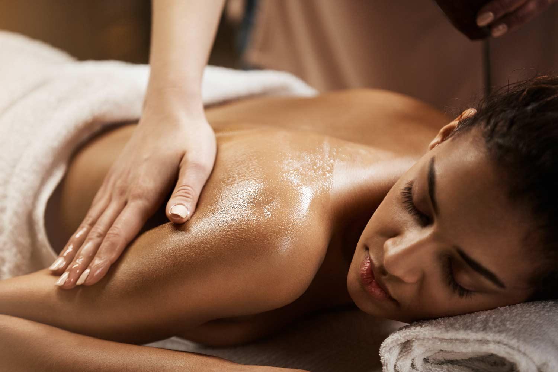 Il massaggio come trattamento e terapia universale