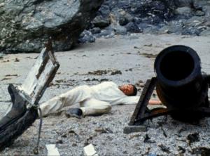 The castaway (Alain Saury) arrives on Morel's island.