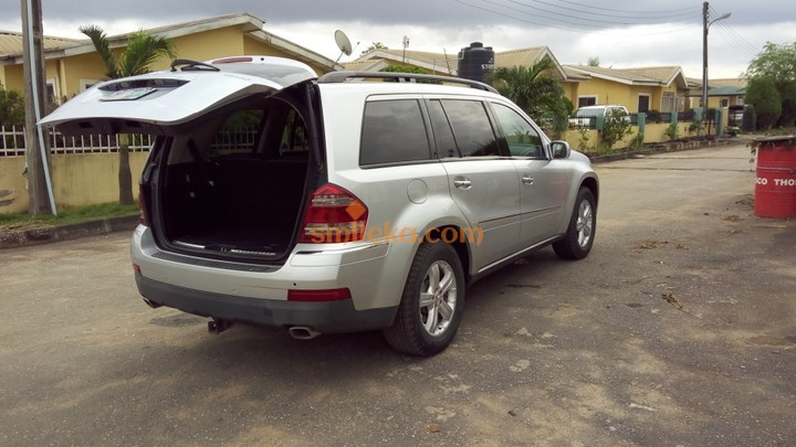 Tokunbo Silver 2007 Mercedes Benz GL450 4matic
