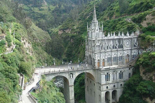 Las Lajas Cathedral (Image Credit: Jungle_Boy [Flickr])
