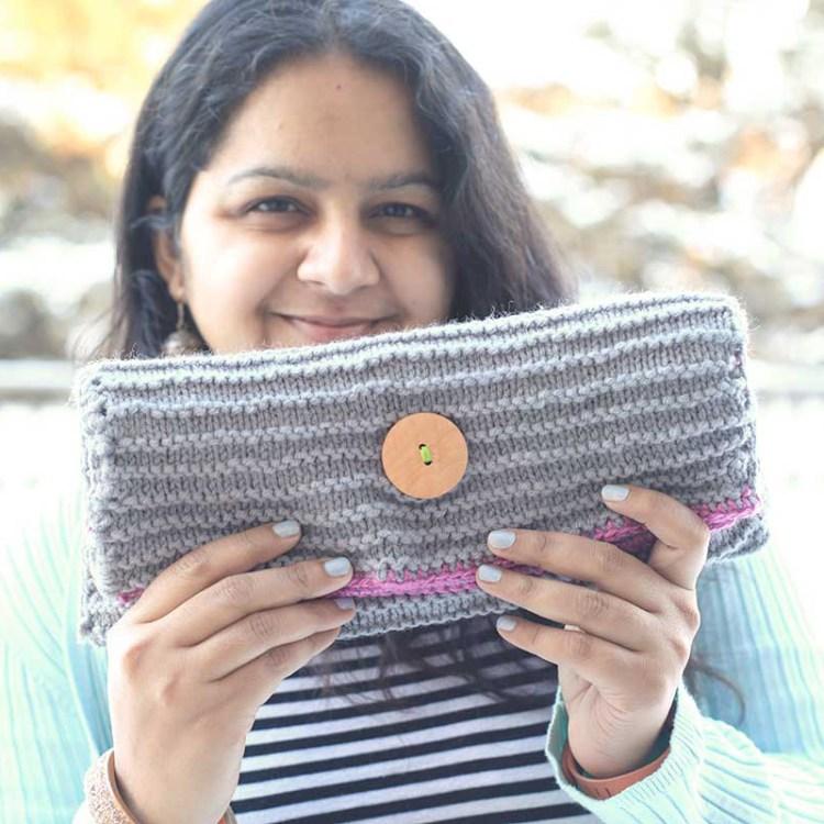 knit foldeover clutch